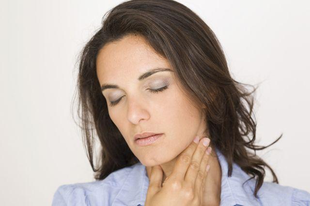 Что делать если застряли сопли в горле